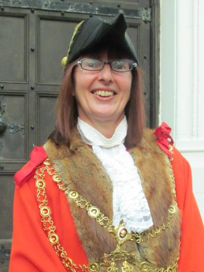 Former Lyme Regis mayor and consort to attend Royal Garden Party